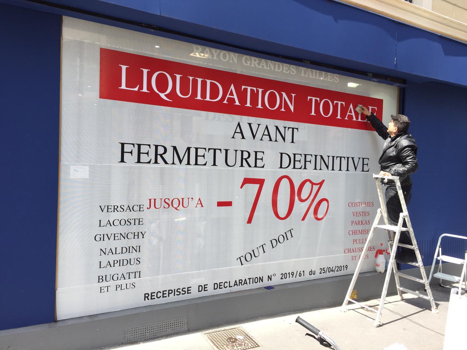 Vitrophanie sur grande vitrines à Paris